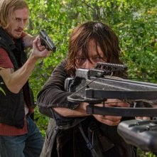 The Walking Dead, Austin Amelio e Norman Reedus nell'episodio 6x15 Il cerchio
