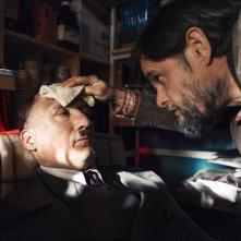 Lui è tornato: Oliver Masucci e Lars Rudolph in una scena del film