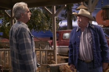The Ranch: gli attori Sam Elliott e Walter Grant III in una foto della serie