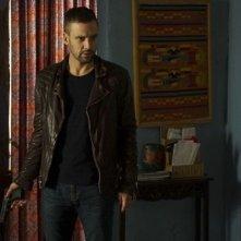 Agents of S.H.I.E.L.D.: Nick Blood in una foto dell'episodio Bouncing Back