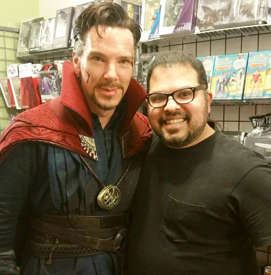 Doctor Strange: le foto di Benedict Cumberbatch in un negozio di fumetti