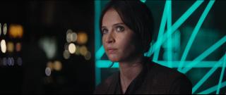Rogue One - A Star Wars Story: un primo piano di Felicity Jones nel teaser trailer del film