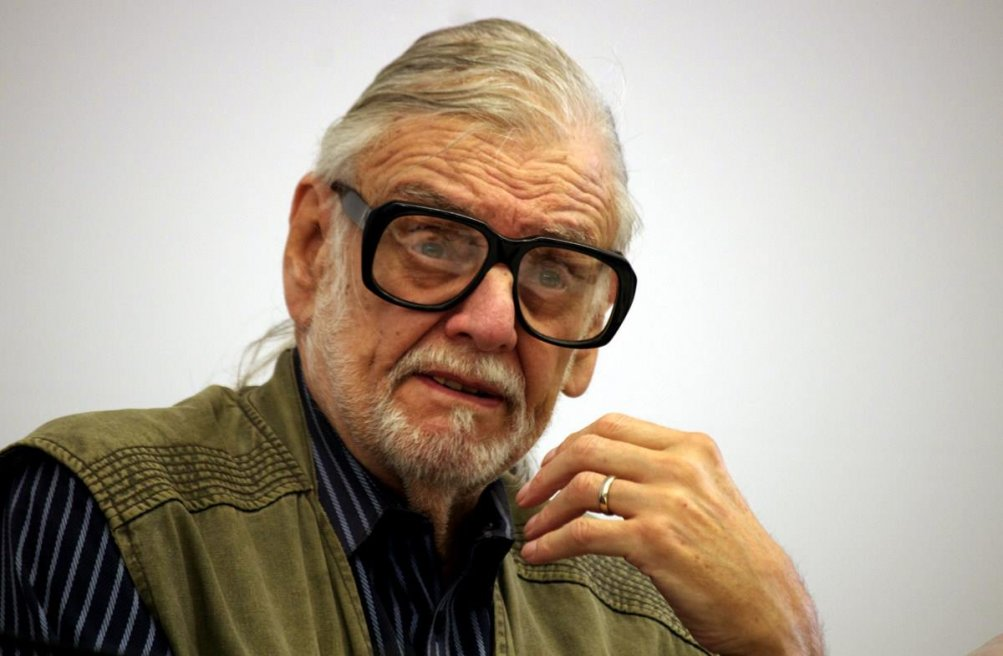 George Romero in un primo piano durante la conferenza del Lucca Film Festival