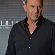 Criminal: Kevin Costner in uno scatto al photocall