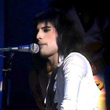 Queen: A Night in Bohemia, Freddie Mercury in un'immagine tratta dal documentario musicale
