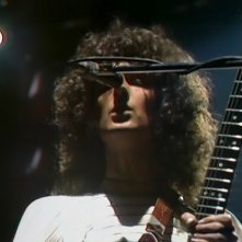 Queen: A Night in Bohemia, un'immagine tratta dal documentario musicale