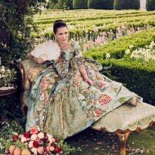 Outlander: l'attrice Claire Sermonne interpreta Louise de Rohan nella seconda stagione