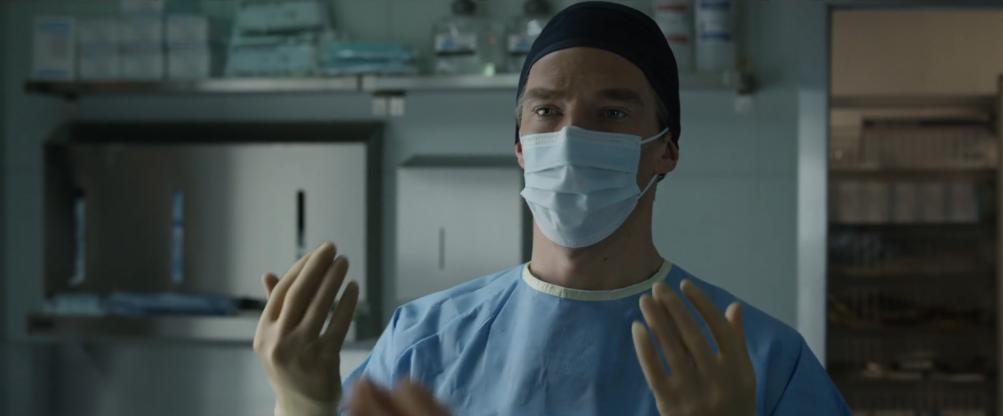 Doctor Strange: Benedict Cumberbatch in versione medico nel teaser trailer del film Marvel