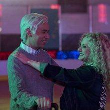 Unbreakable Kimmy Schmidt: Fred Armisen e Carol Kane in una foto della seconda stagione