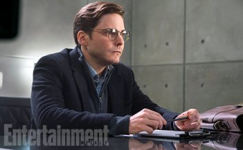Captain America: Civil War - Un primo sguardo a Helmut Zemo, interpretato da Daniel Bruhl