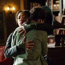 Sleepy Hollow: le attrici Nicole Beharie e Lyndie Greenwood nell'episodio Ragnarok