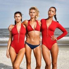 Baywatch: Ilfenesh Hadera, Alexandra Daddario e Kelly Rohrbach in una foto promozionale