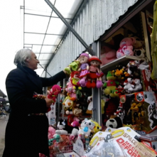 La fabbrica fantasma - Verità sulla mia bambola: Mimmo Calopresti in un'immagine tratta dal suo documentario