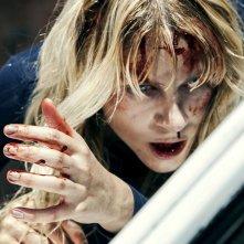Friend Request - La morte ha il tuo profilo: Brit Morgan in un'inquietante immagine del film