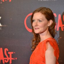 Outcast: Wrenn Schmidt durante il red carpet della premiere europea