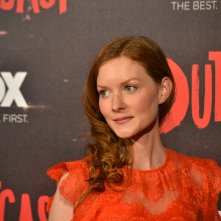 Outcast: Wrenn Schmidt in uno scatto sul red carpet della premiere europea