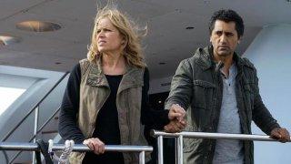 Fear the Walking Dead: Kim Dickens e Cliff Curtis in We All Fall Down