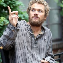 Iron Fist: Finn Jones in una foto dal set di New York City