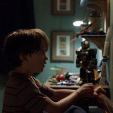 Outcast: Gabriel Bateman in una foto della serie