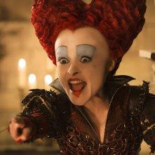 Alice attraverso lo specchio: Helena Bonham Carter in un'immagine del film