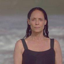 Aquarius: Sonia Braga in un momento del film