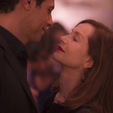 Elle: Isabelle Huppert e Laurent Lafitte in una scena del film