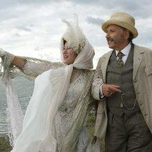 Slack Bay: Valeria Bruni Tedeschi e Fabrice Luchini in una scena del film