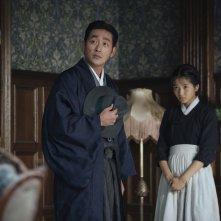 The Handmaiden: Tae Ri Kim e Ha Jung-woo in una scena del film