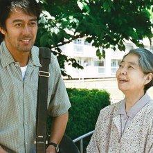 After the Storm: Kirin Kiki e Hiroshi Abe in una scena del film