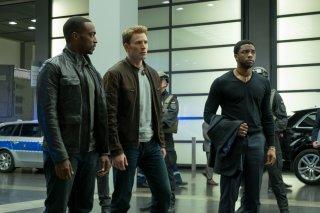 Captain America: Civil War - Una foto di Chris Evans, Anthony Mackie e Chadwick Boseman pubblicata dal magazine Empire