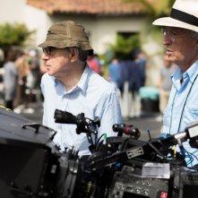 Café Society: il regista Woody Allen e il direttore della fotografia italiano Vittorio Storaro sul set