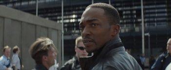 Captain America: Civil War - Anthony Mackie in un momento del film