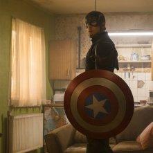 Captain America: Civil War - Chris Evans in un momento del film