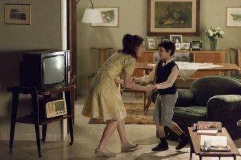 Fai bei sogni: Nicolò Cabras e Barbara Ronchi in una scena del film