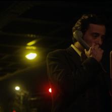 Francisco Sanctis's Long Night: Diego Velázquez al telefono in una scena del film