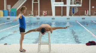 L'effet aquatique: Samir Guesmi e Florence Loiret Caille in un momento del film