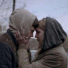 Mean Dreams: Sophie Nélisse e Josh Wiggins in una scena del film