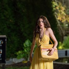 The Nice Guys: Margaret Qualley in una scena del film