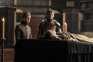 Il trono di spade: Tommen e Jaime accanto al corpo di Myrcella nell'episodio Home