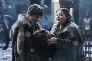 Il trono di spade: Ramsay Bolton prende in braccio suo fratello in Home