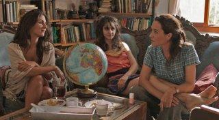 Le case delle estati lontane: Yael Abecassis, Géraldine Nakache e Judith Chemla in una scena del film