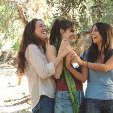 Le case delle estati lontane: Yael Abecassis, Géraldine Nakache e Judith Chemla sorridenti in un momento del film