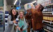 Bad Moms: Mila Kunis e Kristen Bell mamme cattive nel promo uncensored