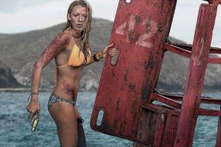 Paradise Beach - Dentro l'incubo: Blake Lively in una scena del film