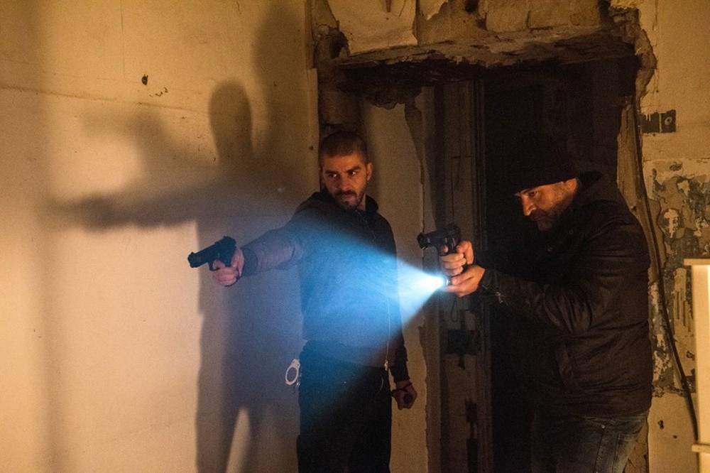 Falchi: Michele Riondino e Fortunato Cerlino in una scena del film
