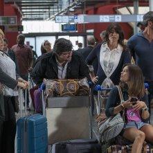 Miami Beach: Neva Leoni e Ricky Memphis all'aereoporto in una scena del film