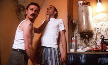Robert Carlyle ed Ewan McGregor in Trainspotting