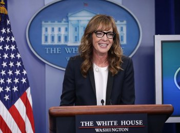 images/2016/05/07/rs_1024x759-160429121013-1024-allison-janney-white-house-west-wing-042916.jpg