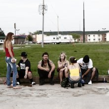 American Honey: Sasha Lane e Shia LaBeouf in una scena di gruppo