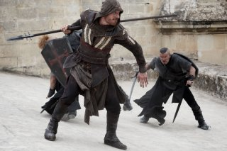 Assassin's Creed: Michael Fassbender durante un combattimento